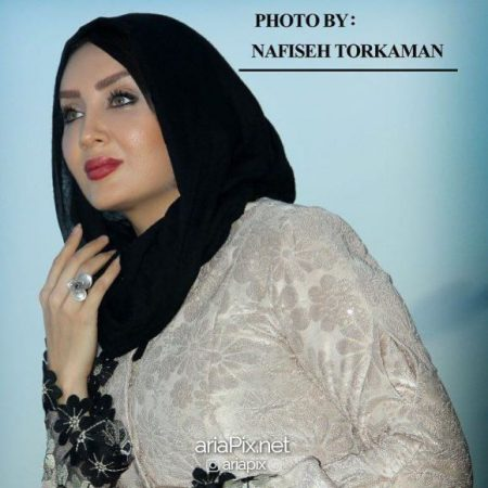 hesari03 450x450 - بیوگرافی و عکسهای بازیگر نقش الناز در سریال هست و نیست (سولماز حصاری)