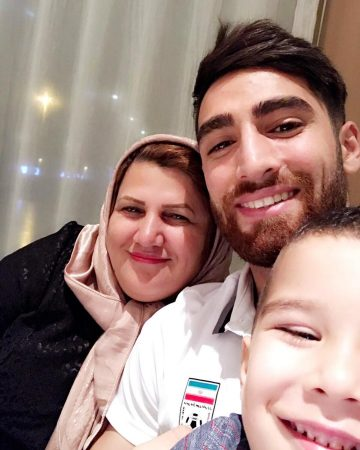 عکس علیرضا جهانبخش و مادرش