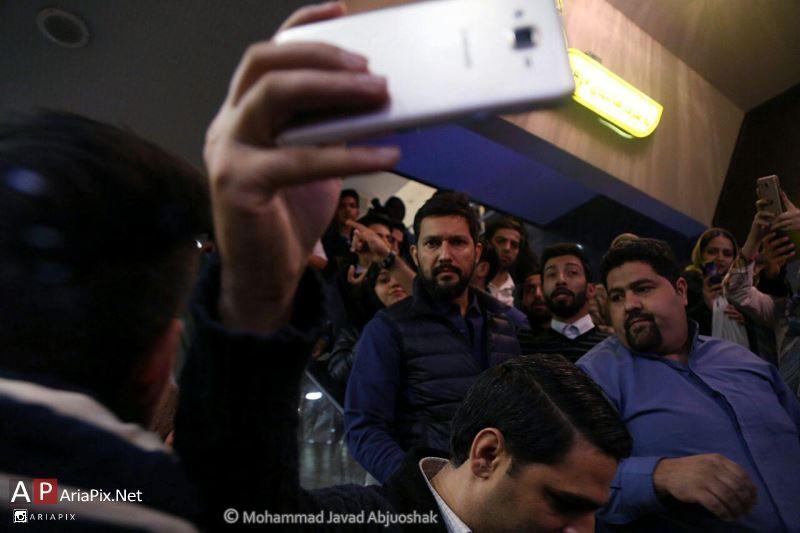 اکران مردمی نیمه شب اتفاق افتاد با حضور حامد بهداد در مشهد