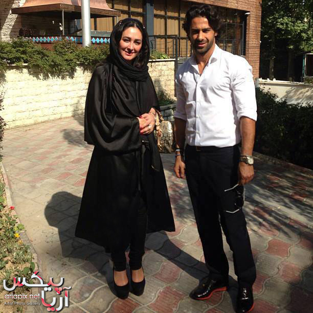 الهام حمیدی بازیگر ایرانی در کنار  فرهاد مجیدی بازکین تیم استقلال