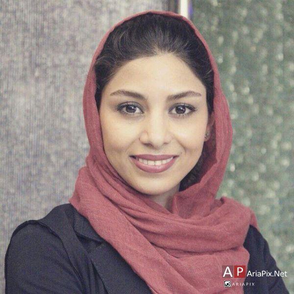 بیوگرافی فتانه ملک محمدی