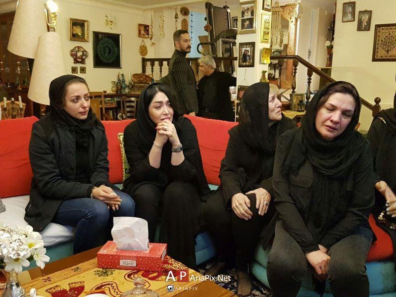 حضور سارا منجزی و نفیسه روشن بازیگران زن در منزل علی معلم