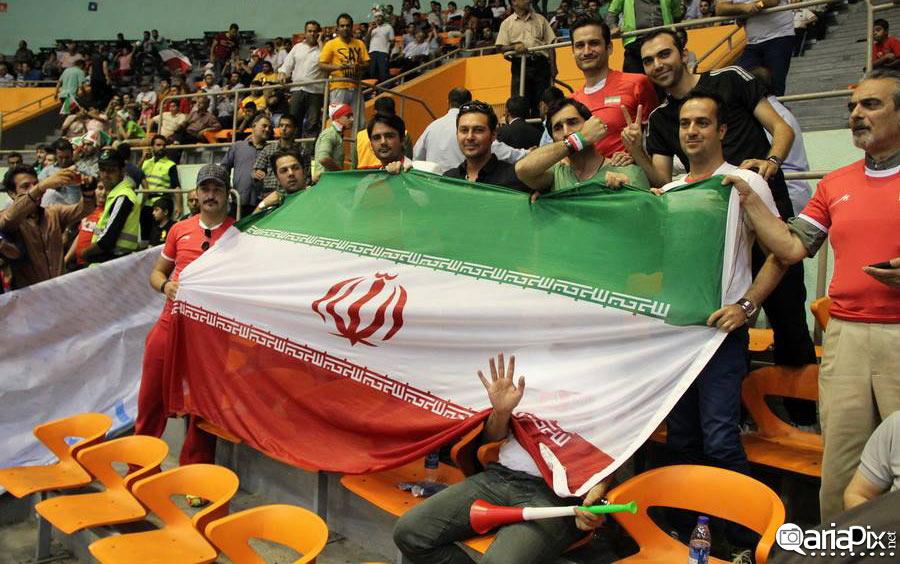 عکس های حضور بازیگران ایرانی در تماشای والیبیال ایران و ایتالیا / 1 تیر ماه 93