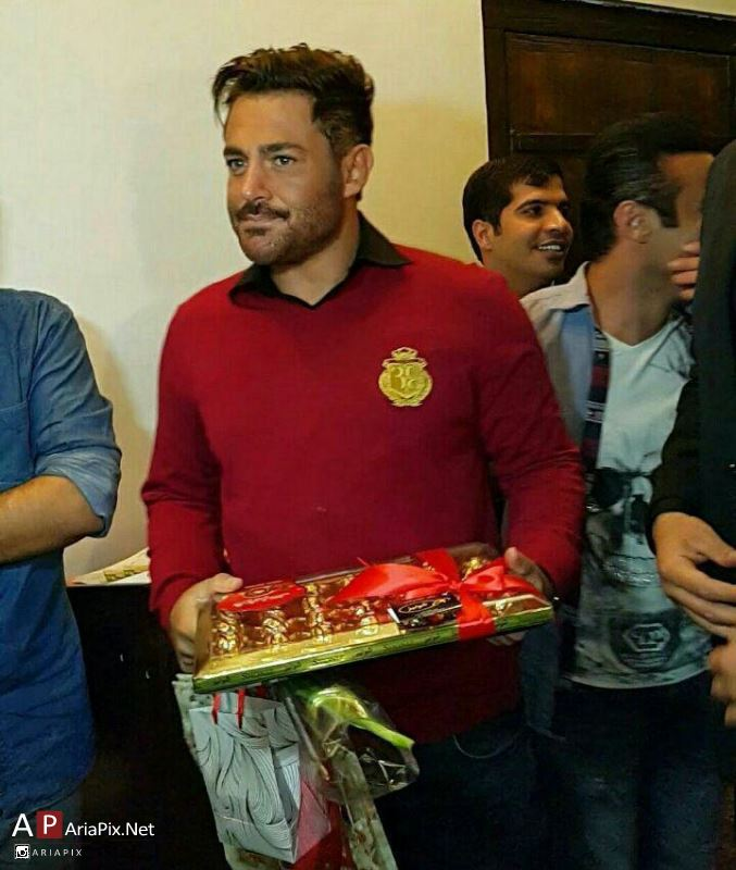 مهمانی سریال عاشقانه در رستوران محمدرضا گلزار