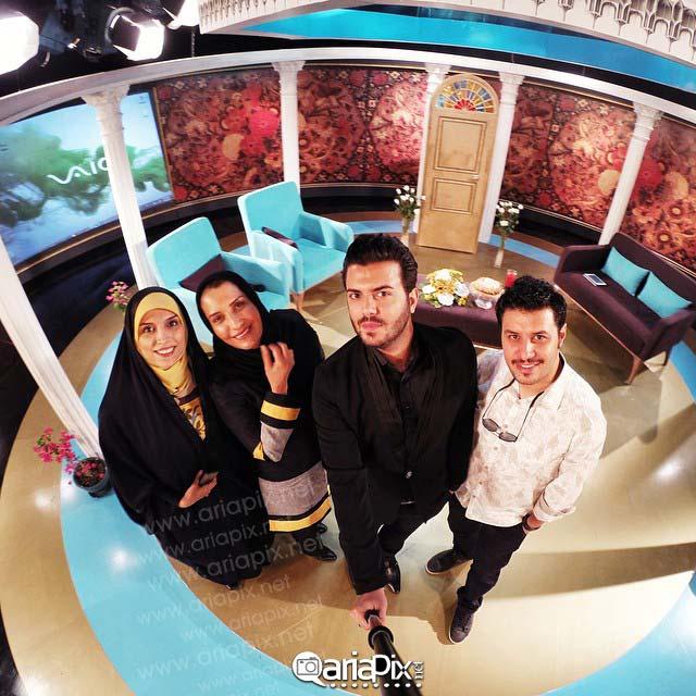 عکس سلفی یادگاری پشت صحنه خوشا شیراز / جواد عزتی و فریبا کوثری و مصطفی یگانه