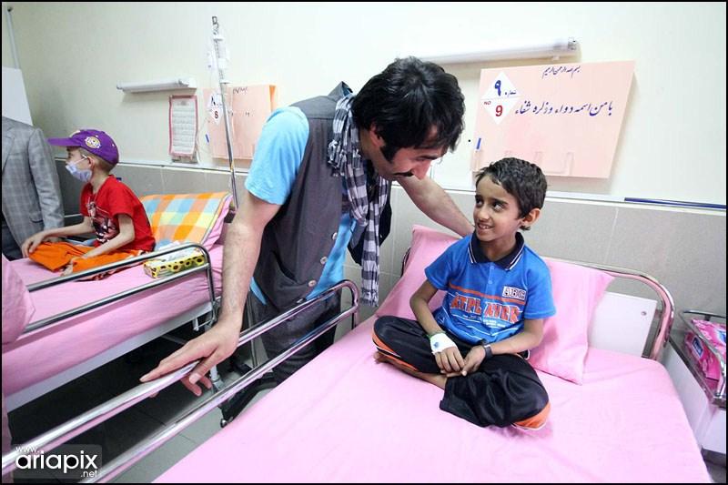 نرگس محمدی,الهام حمیدی محسن افشانی در بازدید کودکان سرطانی