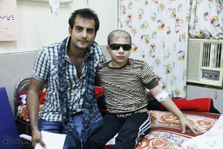 حامد کمیلی در بازدید از کودکان سرطانی