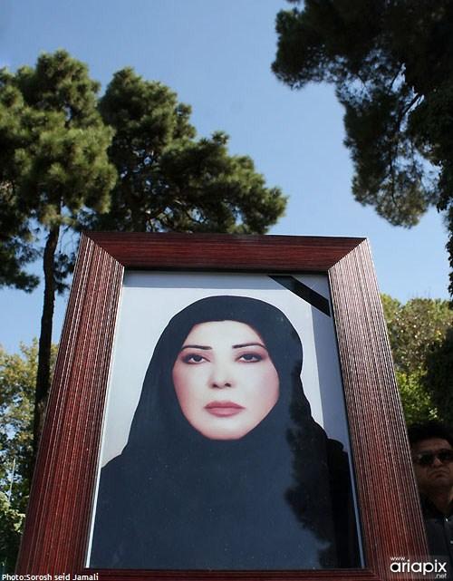 عکسهای مراسم تشییع مرحومه نادیا دلدار گلچین