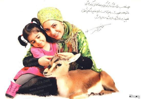 عکس بازیگران زن با حیوانات