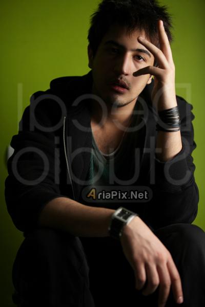 مهرداد صدیقیان بازیگر نقش نیما در سقوط یک فرشته