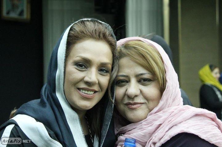 رابعه اسکویی و نسرین مقانلو در کنسرت روزبه نعمت الهی شهریور 90