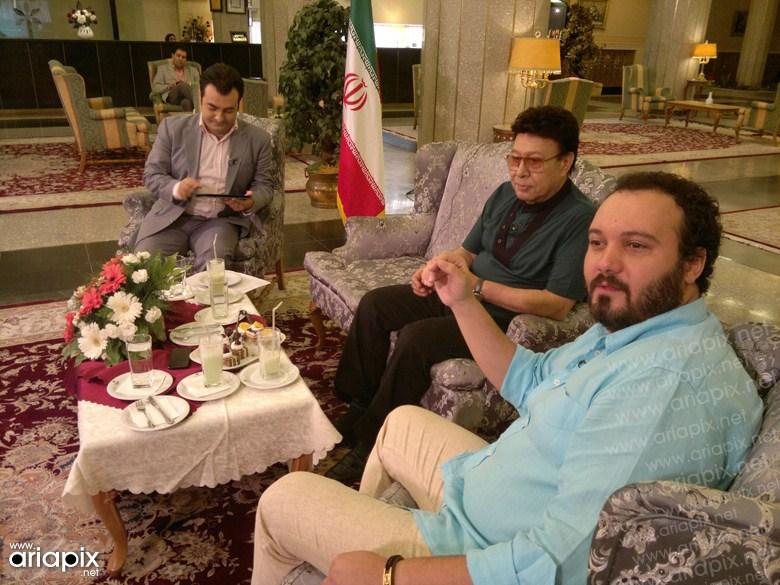 عکسهای جدید کامبیر دیرباز در برنامه خلیج فارس