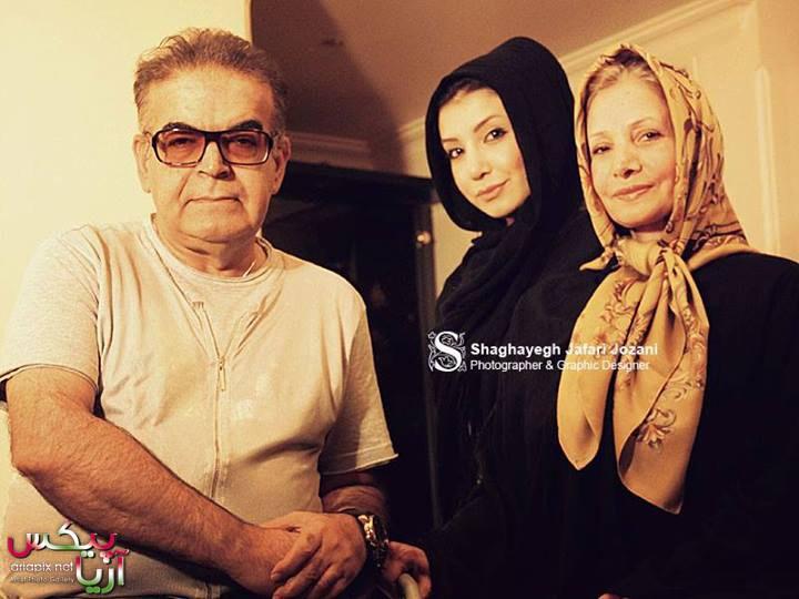 عکس از حمید لولایی با همسرش و دخترشان