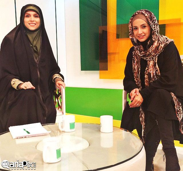 جدیدترین عکسهای شبنم قلی خانی بازیگر ایرانی در برنامه کافه سوال