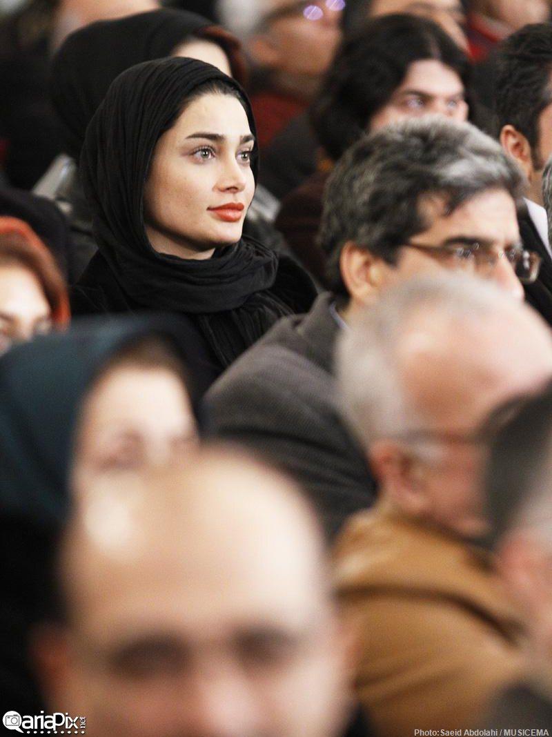 دیدار بازیگران و خوانندگان با رییس جمهور