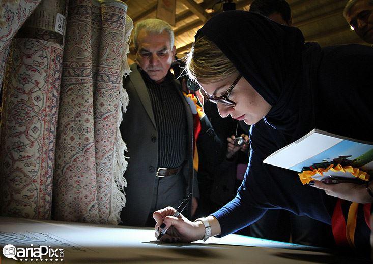 مهناز افشار و امید زندگانی بازیگران ایرانی در حال سوارکاری