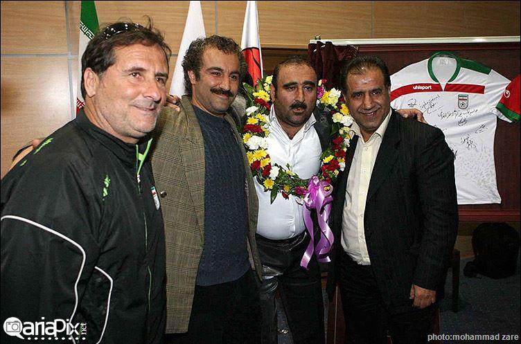 بازیگران و عوامل پشت صحنه سریال پایتخت 3 در اردوی تیم ملی
