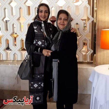 سارا صوفیانی و مادرش