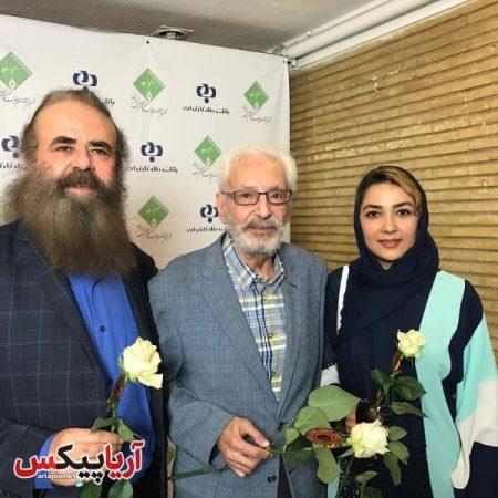 سارا صوفیانی و همسرش در کنار مرحوم جمشید مشایخی