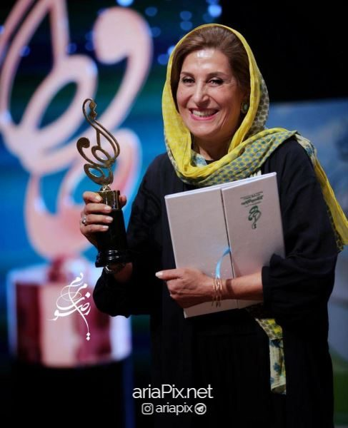 جایزه فاطمه معتمداریا در جشن حافظ