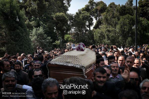 تشییع جناز ناصر چشم آذر