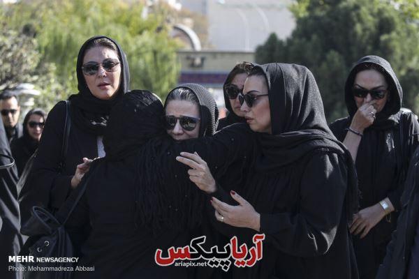 فلورا سام در تشییع جنازه همسرش مجید اوجی