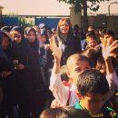 مهناز افشار در اولین روز بازگشایی مدارس به دیدار دانش آموزان رفت