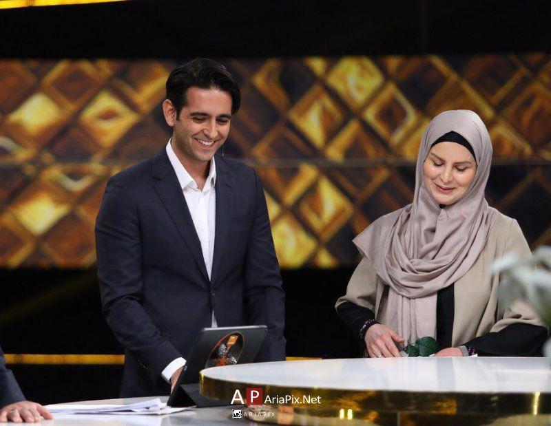 امیرحسین آرمان و مادرش در سه ستاره