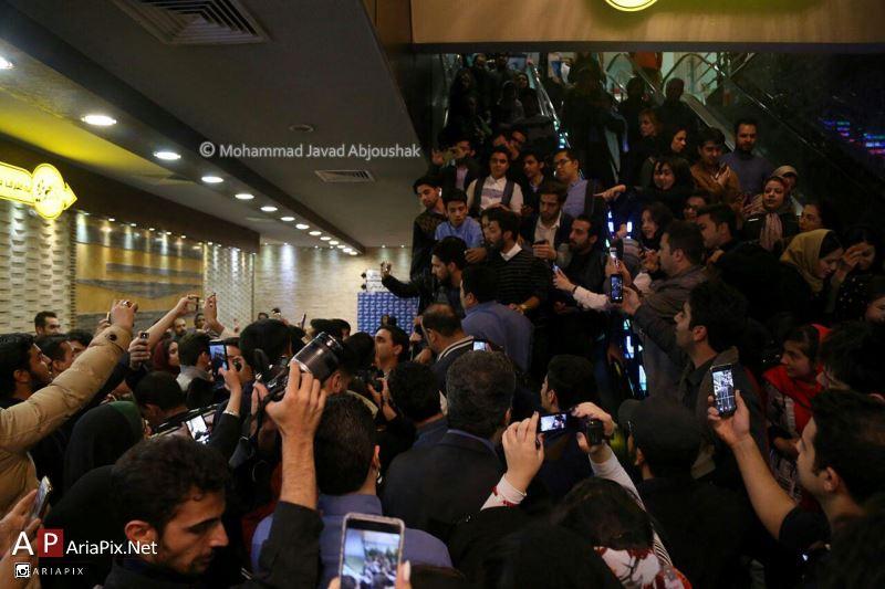 اکران نیمه شب اتفاق افتاد با حضور حامد بهداد در مشهد سینما هویزه