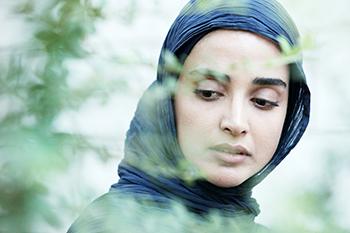 گفتگو با الهه حصاری بازیگر نقش یلدا هشت و نیم دقیقه