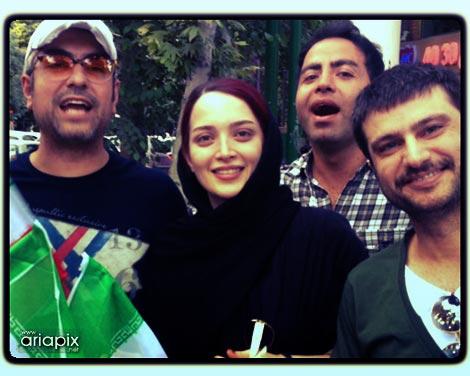 شهرام حقیقت دوست و مهدی پاکدل و همسرش بهنوش طباطبایی پس از صعود تیم ملی در جام جهانی
