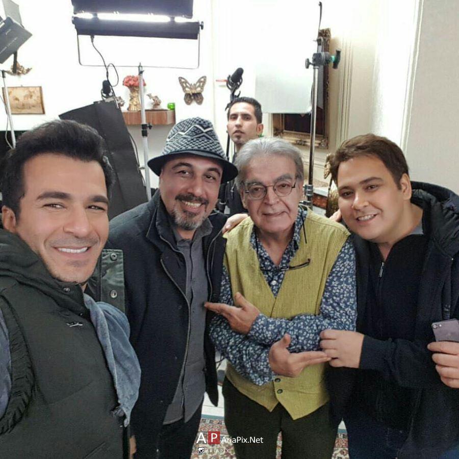 حضور رضا عطاران در پشت صحنه سریال پنجری و دیدار با رفقای قدیمی اش