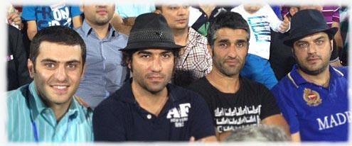 سام درخشانی,پژمان جمشیدی و رضا یزدانی و علی شیا در ورزشگاه